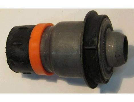 Сайлентблок переднего подрамника задний Kleber (54400EM30A)